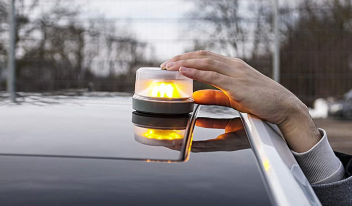 Las mejores luces de emergencia para coches homologadas por la DGT